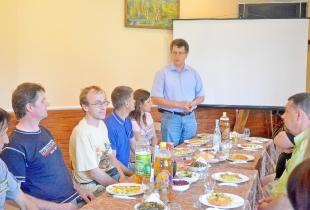 О.Любімов вітає учасників пленеру